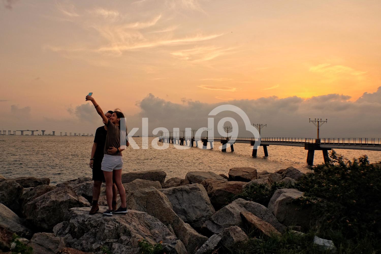 Lovers in Hong Kong