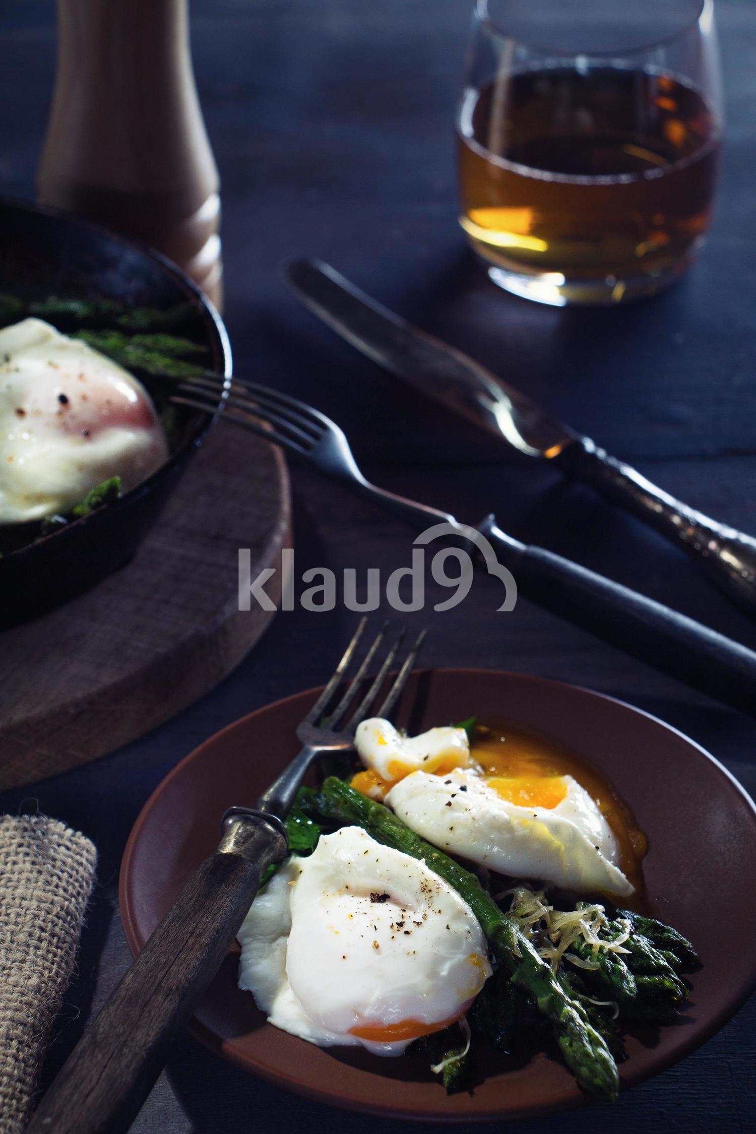dinner with a poached egg and asparagus