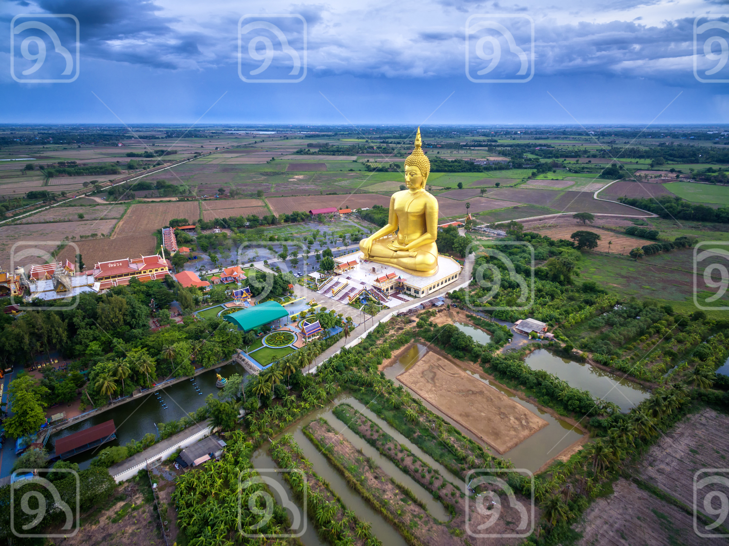 Big golden buddha statue in the temple