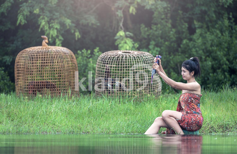 Asia woman Hand washing