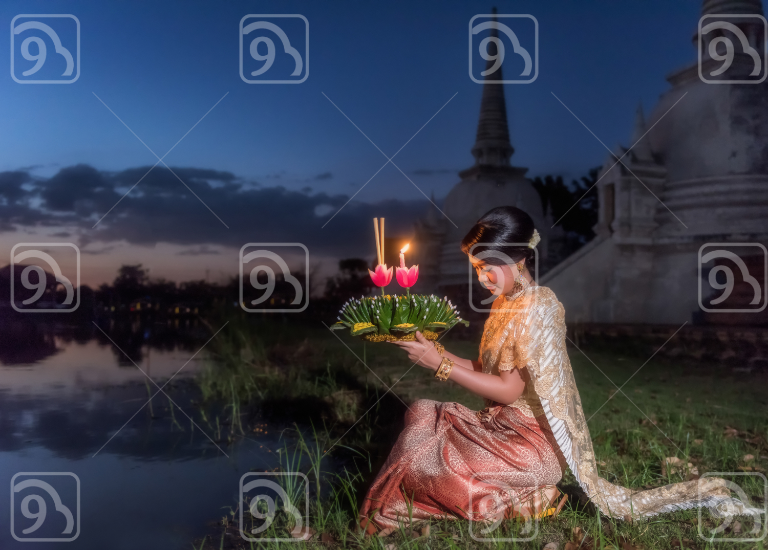 Loykratong tradition