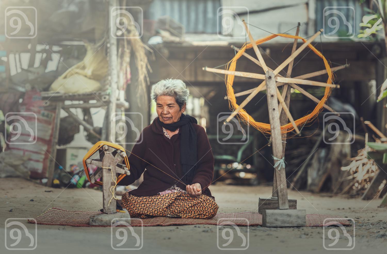 Thai Silk weaving