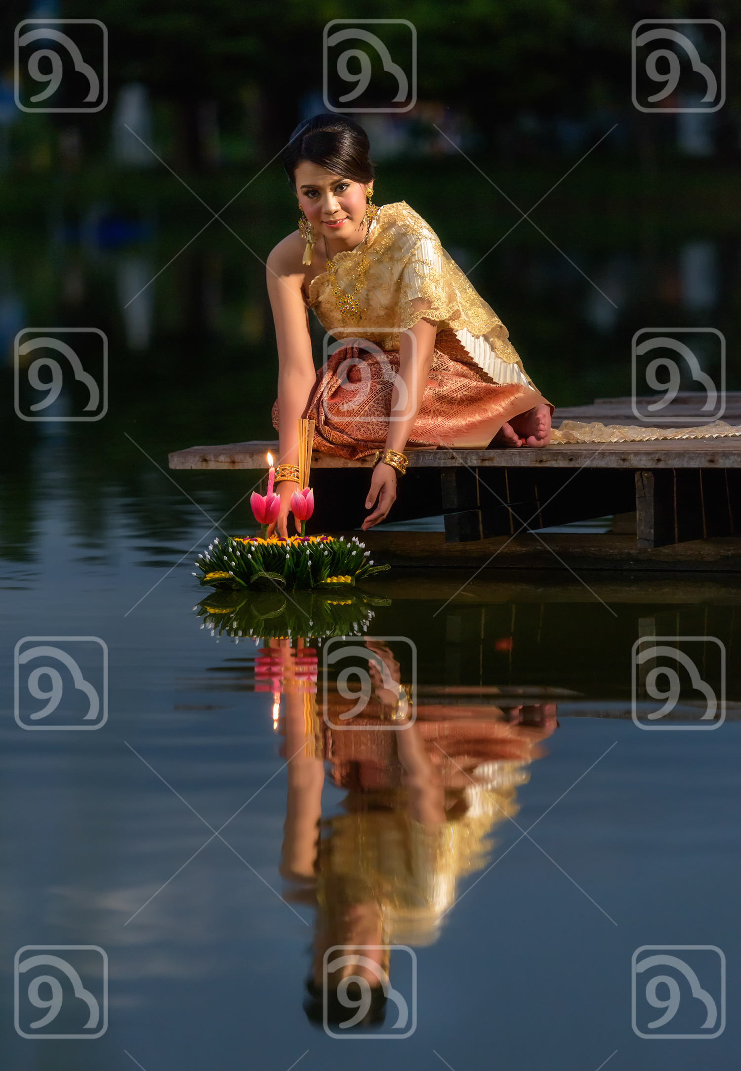 Loy Krathong Traditional Festival