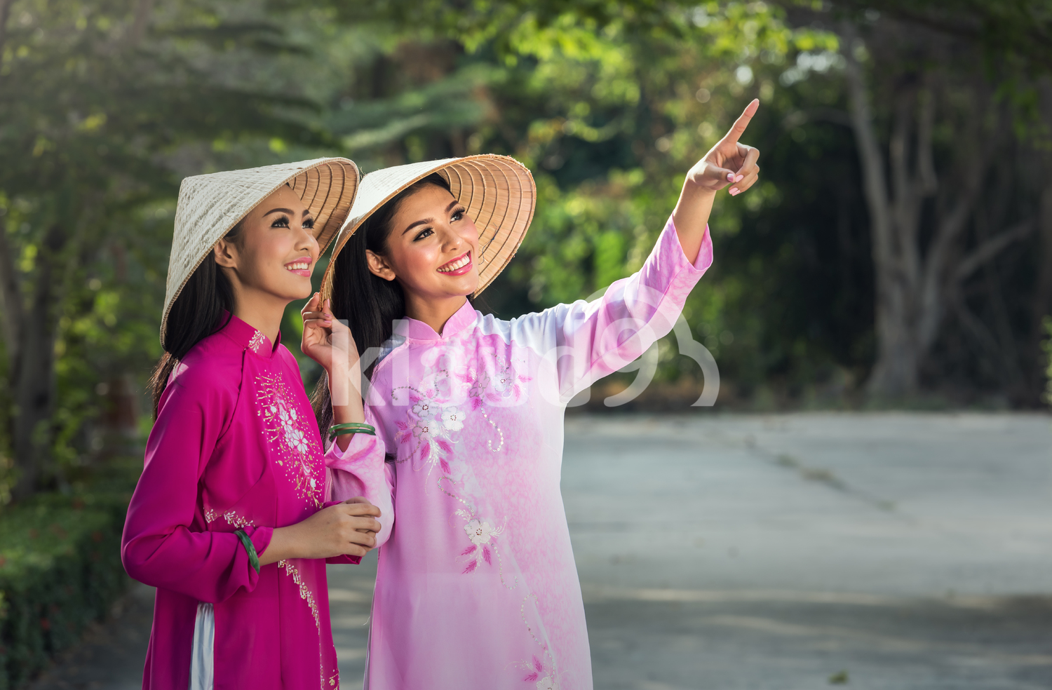 Portrait of Vietnamese girls in Ao Dai dresses