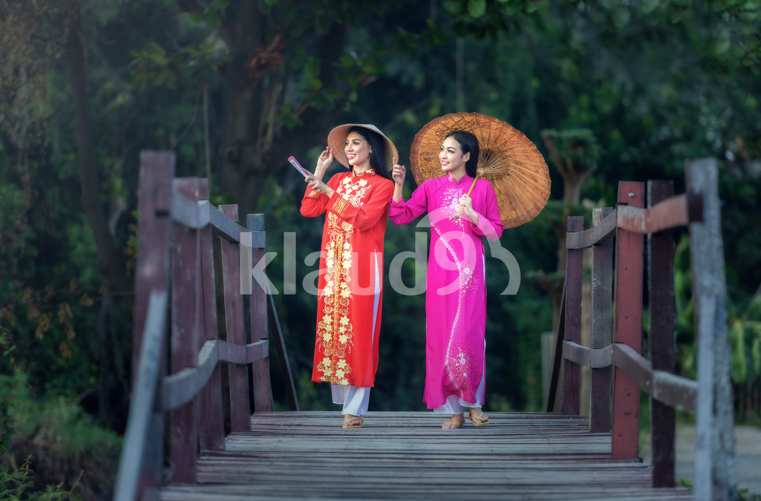 Portrait of Vietnamese girls in traditional dress