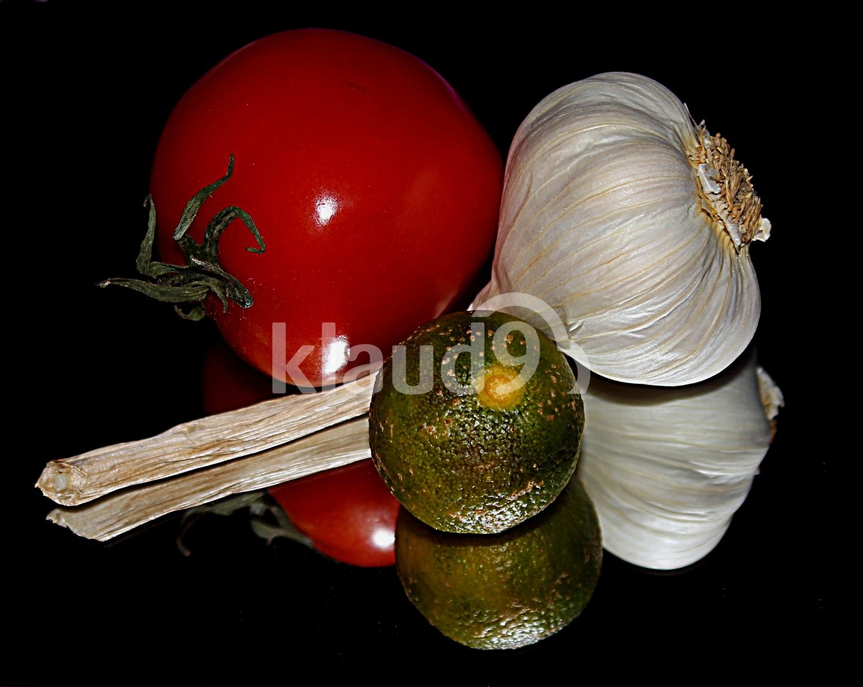 Tomato, Garlic  And Lime