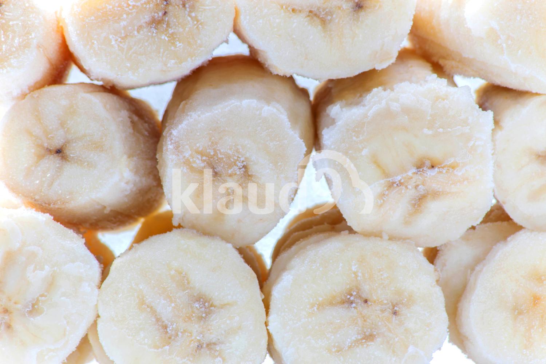 slices of frozen banana