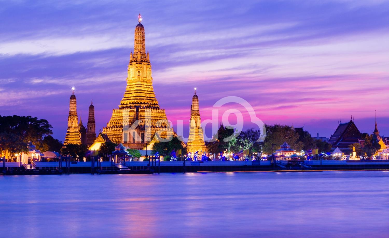 Wat Arun Temple at twilight in Bangkok