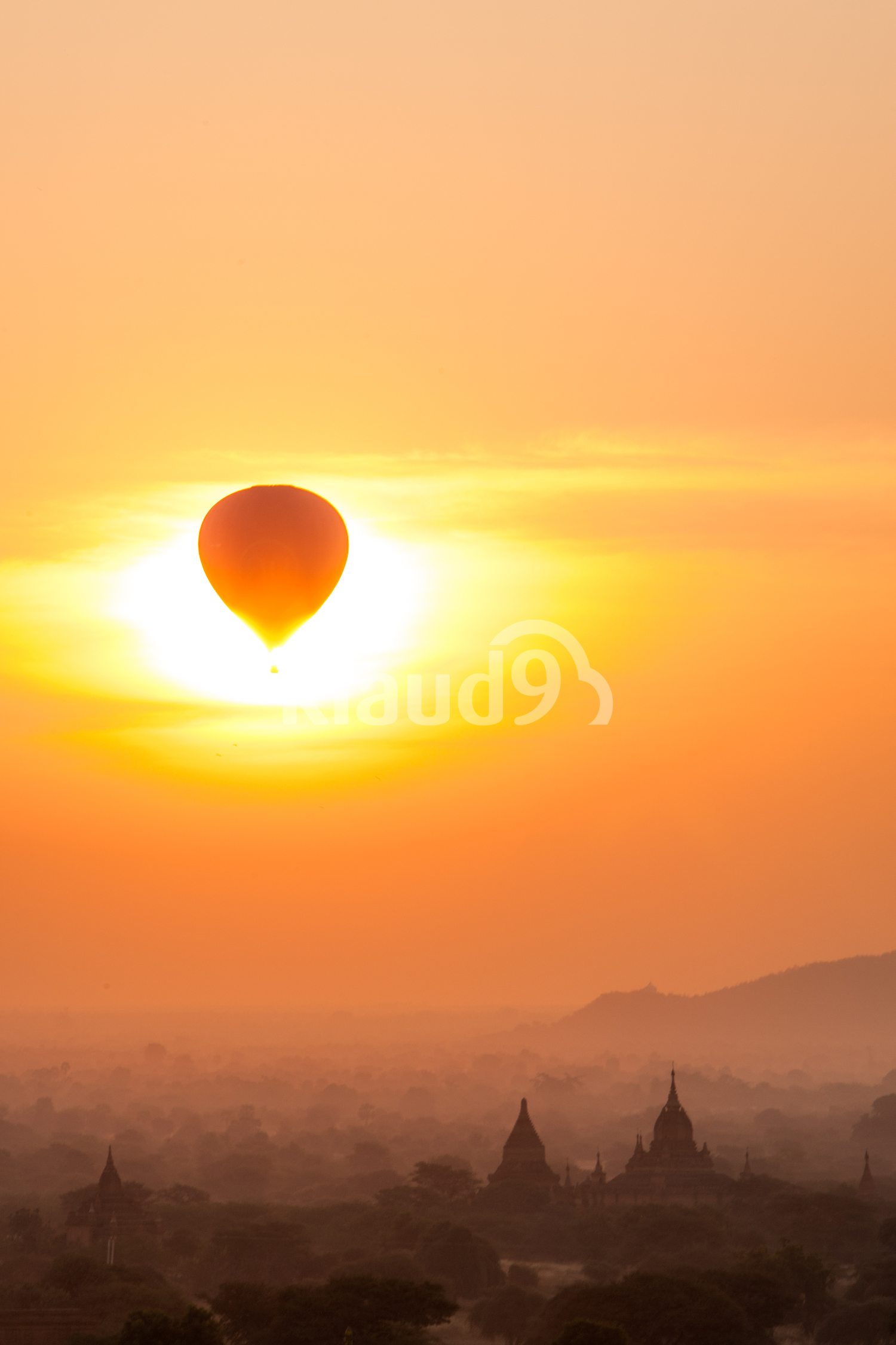 Rising hot air ballon