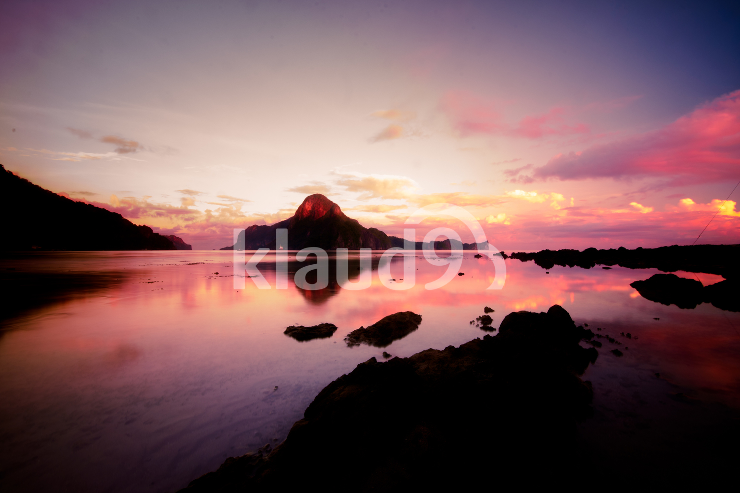 Sunrise at El Nido with a view of Callao Island