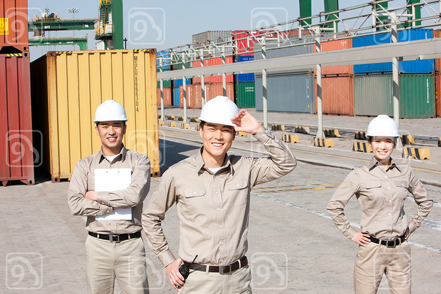 Chinese shipping industry workers ready for work