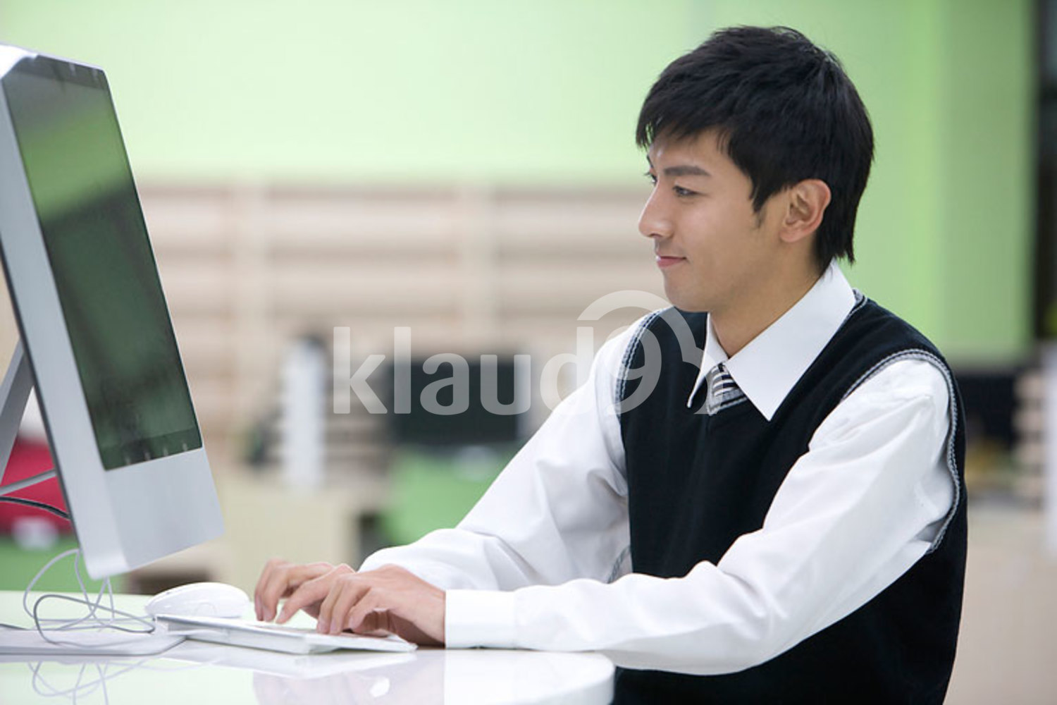 Chinese student in the computer lab