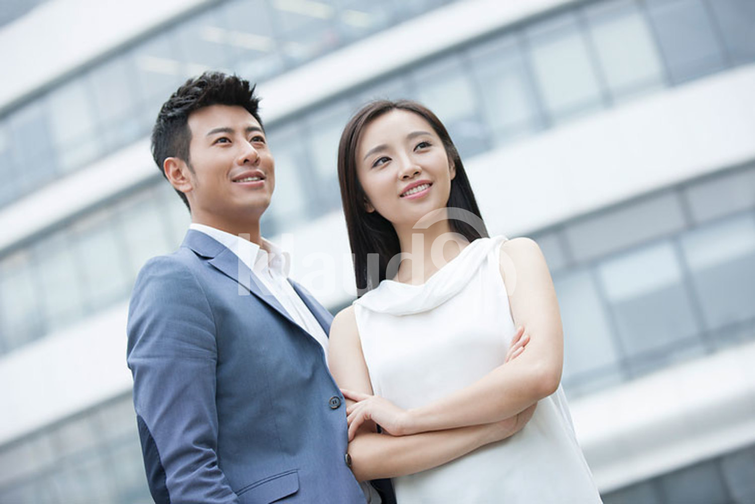 Confident Chinese businesspeople