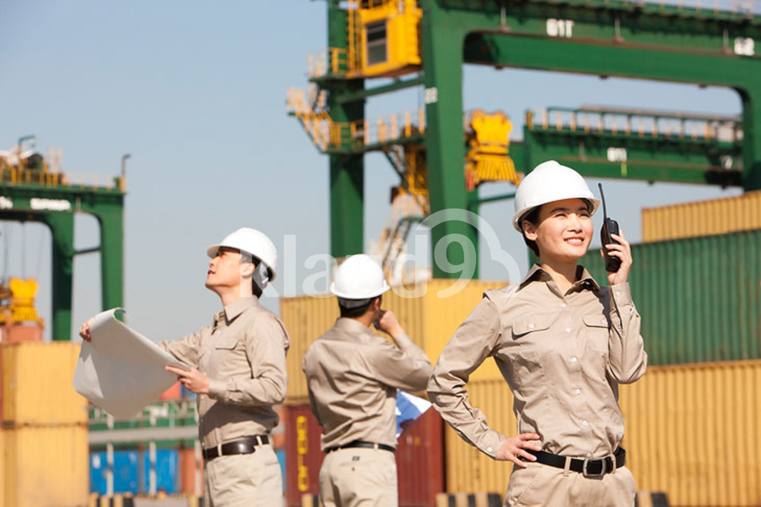 Chinese shipping industry workers at work