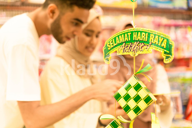 Muslim friends shopping for Hari Raya
