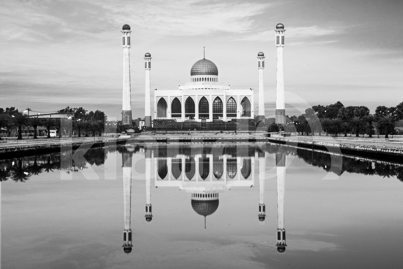 Hatyai Central Mosque in black and white
